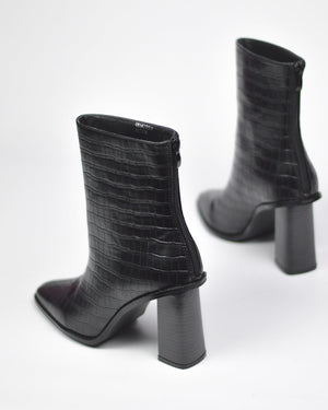 ALESHA - western ankle boots in black snake print