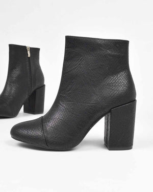 IRENE - ankle boots in black snake print - QUANTICLO