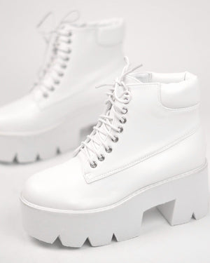 LEAH - lace platform ankle boots in white