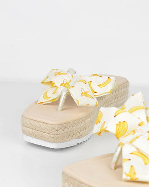 AVICE - sandals in banana print