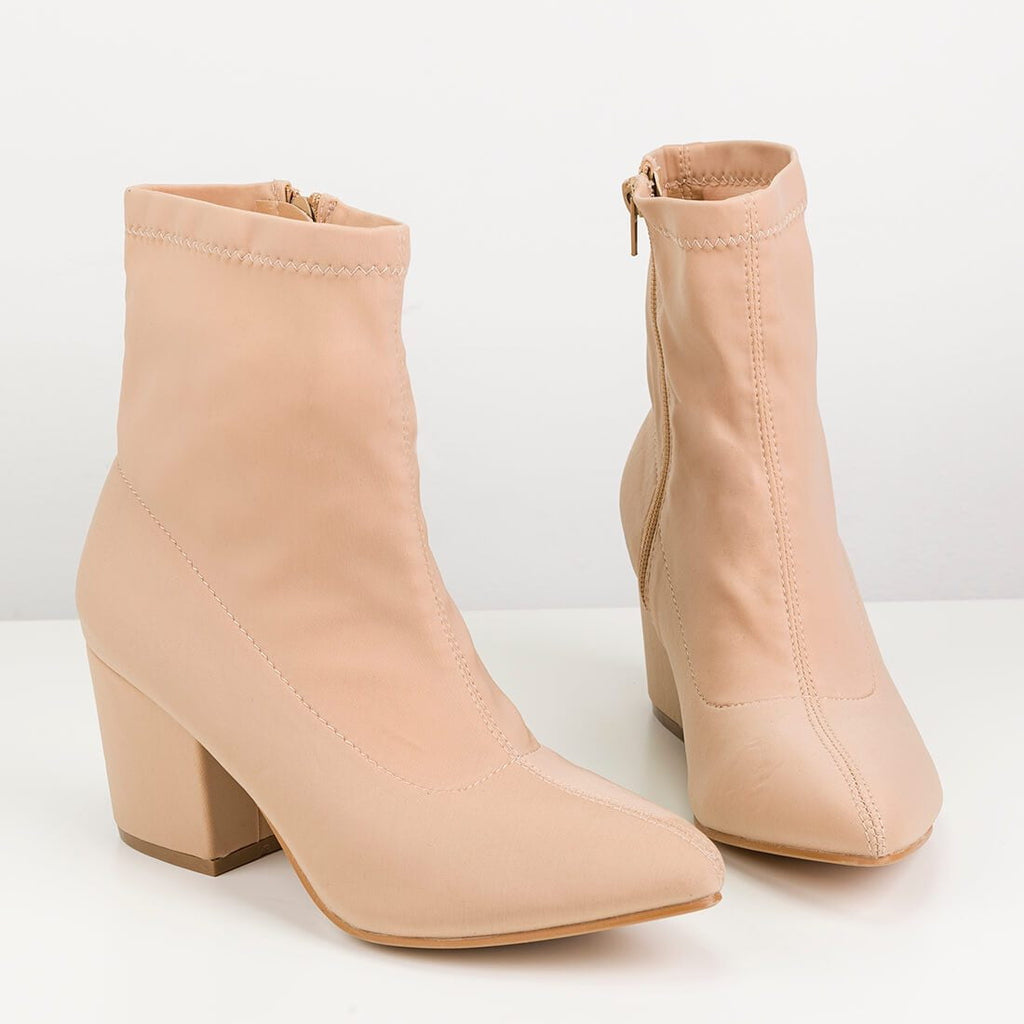 ALEX - pointed boots in nude