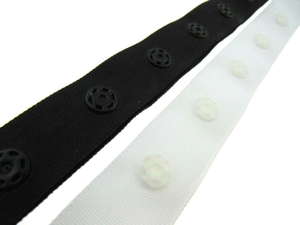 ** 1m x SNAP FASTENER POPPER TAPE  / DUVET TAPE / BLACK or WHITE 18mm WIDE TAPE - ThreadandTrimmings