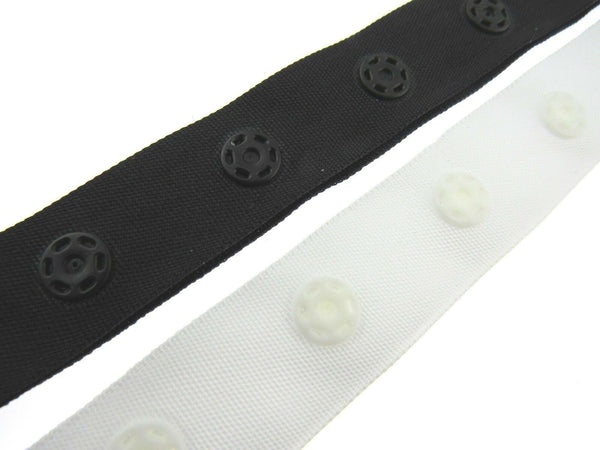 ** 10m x POPPER / SNAP FASTENER TAPE / 18mm WIDE for DUVET COVERS BLACK or WHITE - ThreadandTrimmings