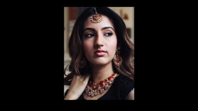 MUGHAL JEWELRY:  THE LOOK OF THE SEASON
