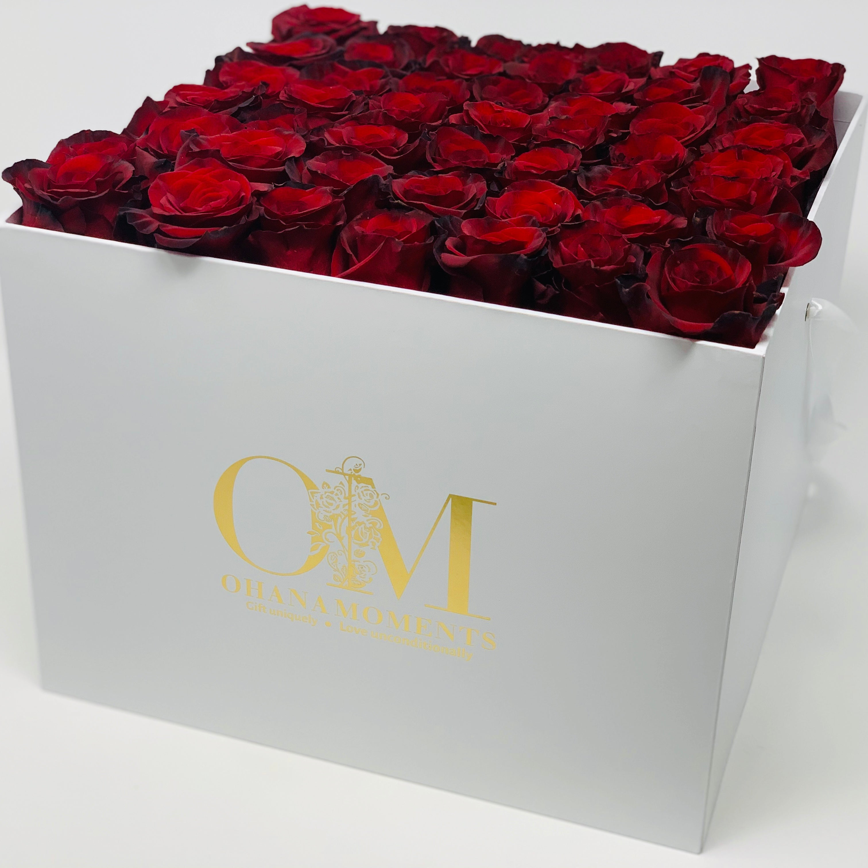 The Catalina Forever Rose Box - Large - Solid (36-42 roses)