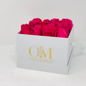 The Catalina Forever Rose Box - Medium - Solid (16 roses)