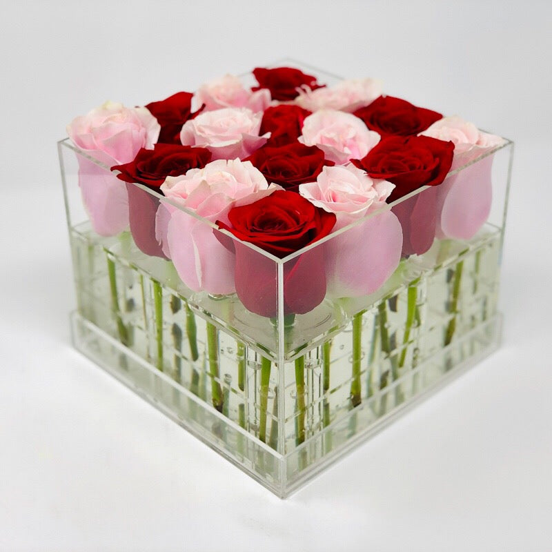 Modern Rose Box with preserved roses that last for years in red roses and pink roses