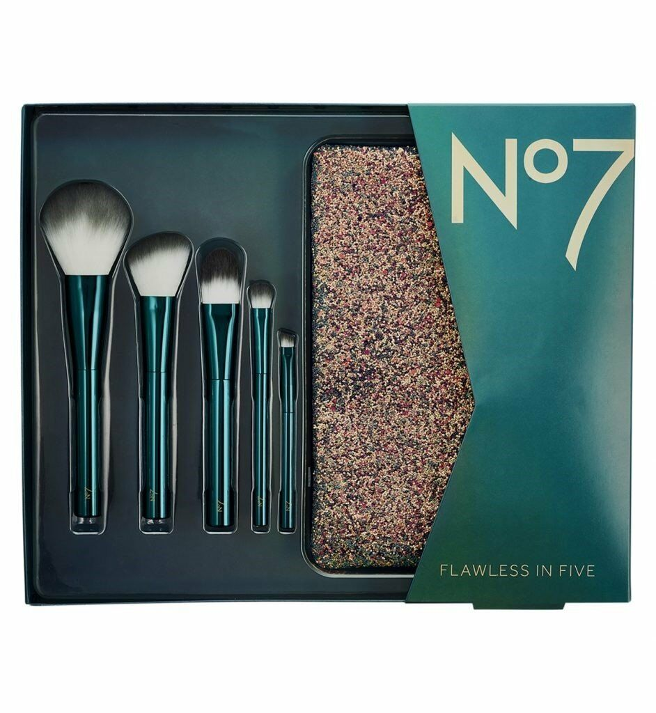 No7 Flawless In Five Makeup Brush Gift Set