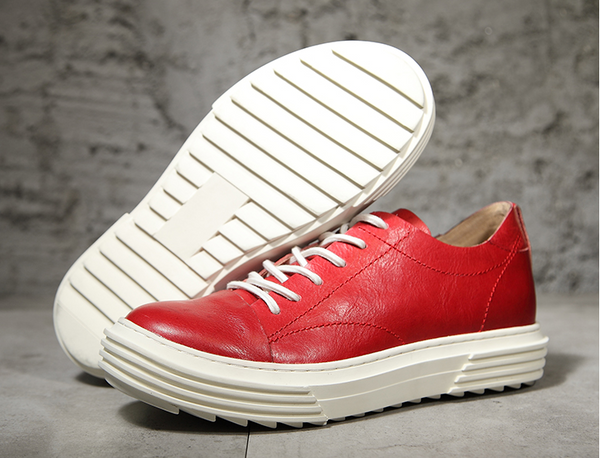 ESSENTIAL LACE UP TRAINERS IN BLACK AND RED WITH CHUNKY SOLE - boopdo