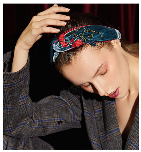 SHES X THE BRITISH MUSEUM VELVET HEADBAND WITH FLOWER EMBELLISHED SHD9211788