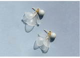 SILVER OF LIFE 925 ASH PEARL EARRINGS WITH FROSTED FLOWERS DESIGN - boopdo