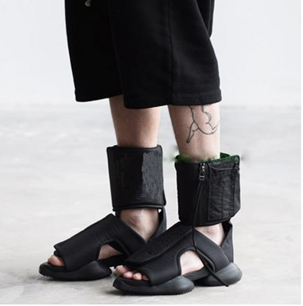 ROMANS CONEG VELCRO OPEN TOE PLAIN GLADIATOR SANDALS IN BLACK - boopdo