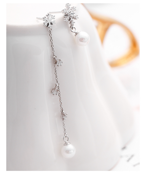 SILVER OF LIFE 925 SNOW FLAKE AND PEARLS EARRINGS IN ASYMMETRIC DESIGN