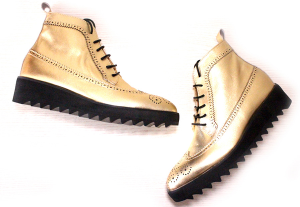 JINIWU VANGUARD BROCK STYLE THICK SOLED PLATFORM BOOTS IN GOLD COLOR - boopdo