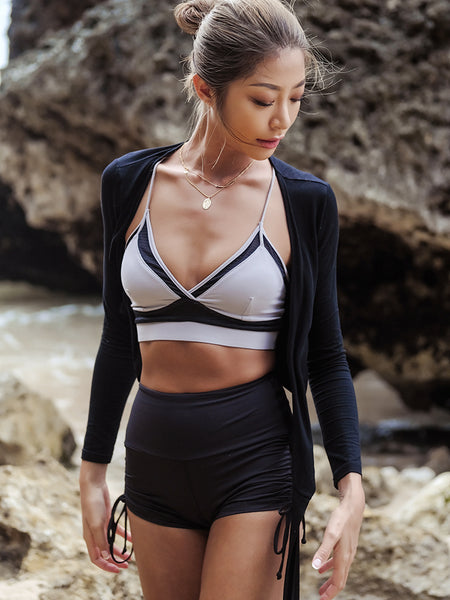 LANIKAR SPORTS BRA WITH CONTRAST BREATHABLE MESH PANEL