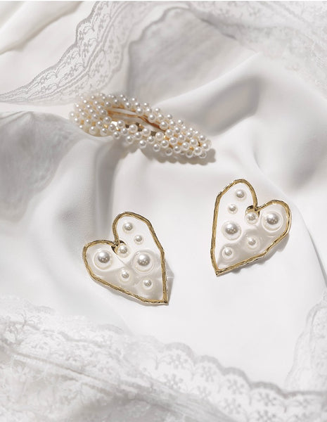 UZL OVERSIZED HEART SHAPED EARRINGS WTH PEARL EMBELLISHED IN GOLD PLATE - boopdo