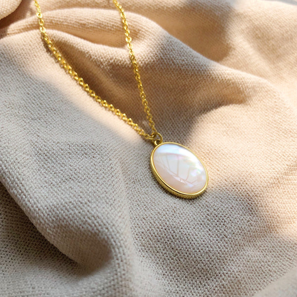 JELLY GIRL 18K GOLD VINTAGE INSPIRED PEARL MEDALLION PENDANTS NECKLACE - boopdo