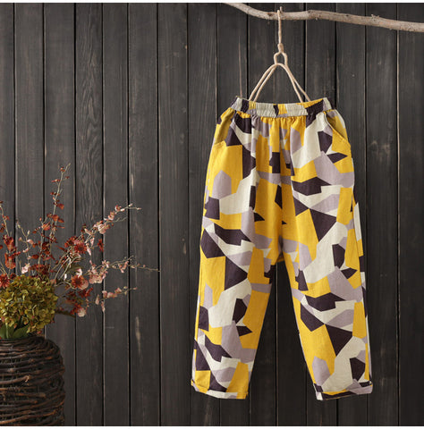 AUTUMN CROPPED TROUSERS IN ABSTRACT PRINT