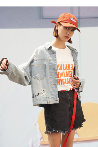 TOYOUTH LOGO AND LETTER PATCH DENIM GIRLFRIEND JACKET IN MID WASH - boopdo
