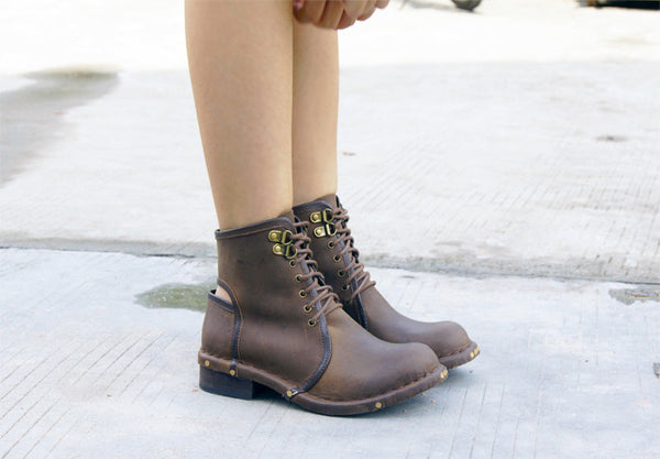 PROVAPERFETTO CUT OUT LEATHER STUTTED ANKLE BOOTS - boopdo