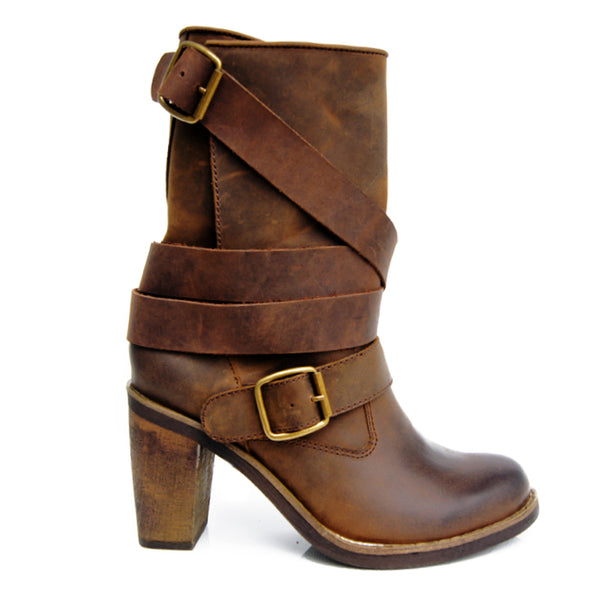 PROVAPERFETTO WESTERN DETAIL BUCKLED LEATHER ANKLE BOOTS