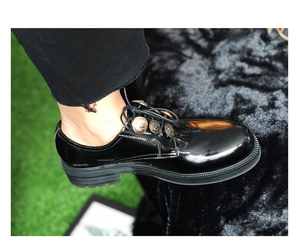 JINIWU VANGUARD ROUND SCALP LARGE BUTTON DECORATIVE HANDMADE LEATHER SHOES IN BLACK