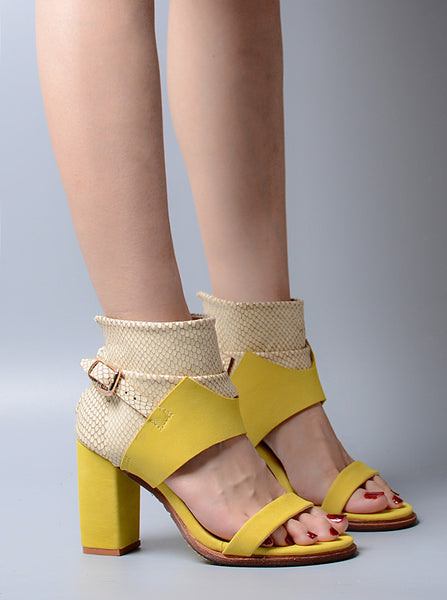 PROVAPERFETTO BUCKLE DESIGN BLOCK HEELED LEATHER SANDALS