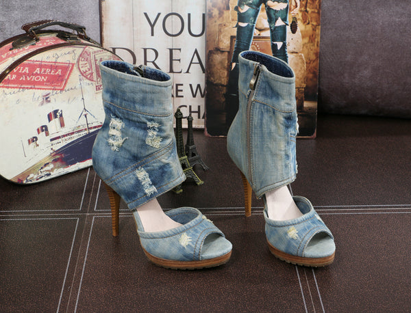 BOOPDO INSTA DESIGN WASHED DENIM OPEN TOE HIGH HEEL SANDALS IN SKY BLUE