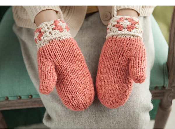 MISMEMO WOOL TWIST KNITTED GLOVES WITH STRAP - boopdo