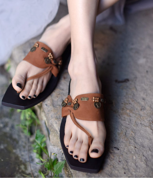 ARTMU EMBROIDERED LEATHER TOE POST SANDALS - boopdo