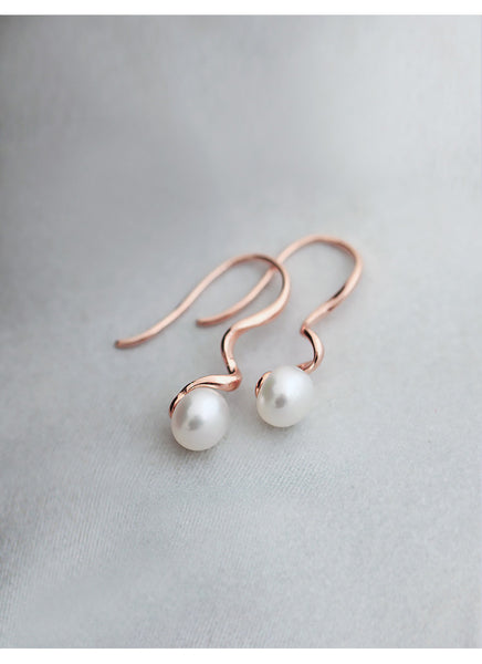 SILVER OF LIFE PULL TROUGH EARRINGS WITH PEARL DROP - boopdo