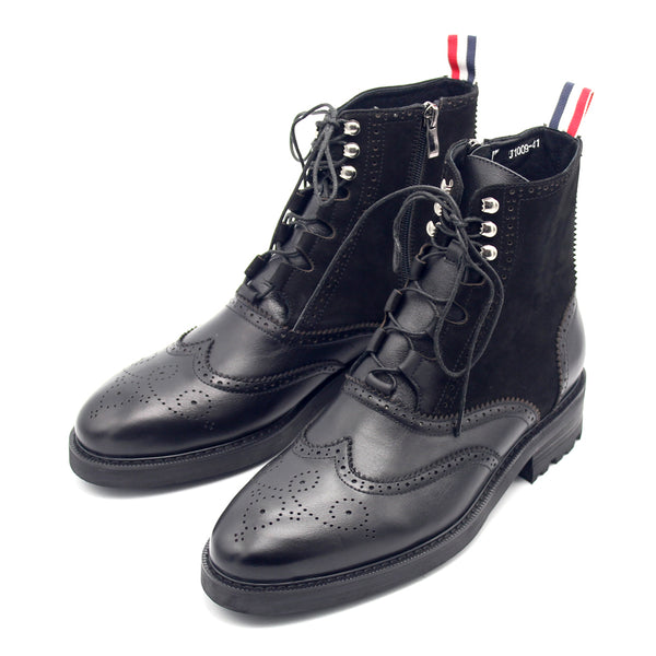 JINIWU VANGUARD CARNIVAL INSPIRED DESIGN TB MATTE LEATHER BOOTS IN BLACK