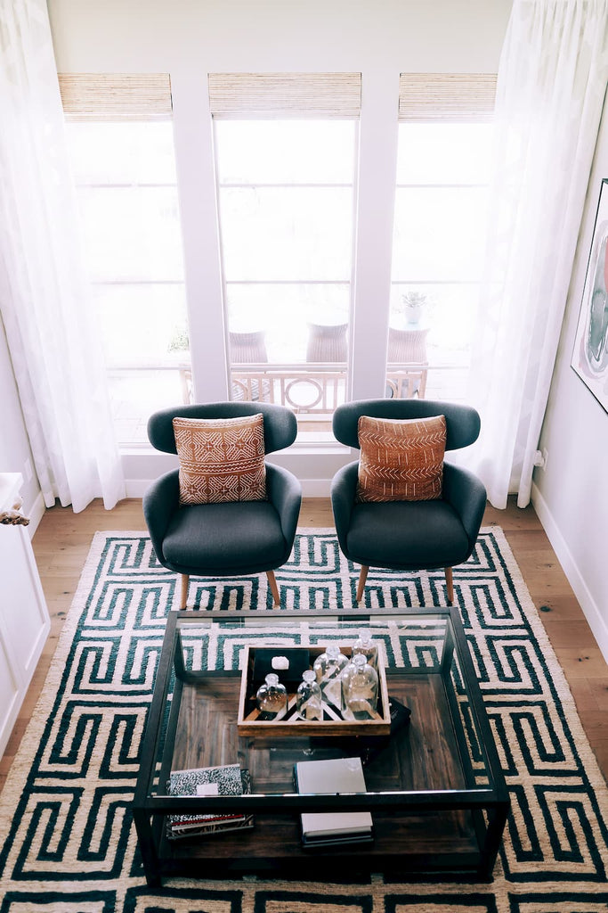 Rugs to Make a Room Look Bigger
