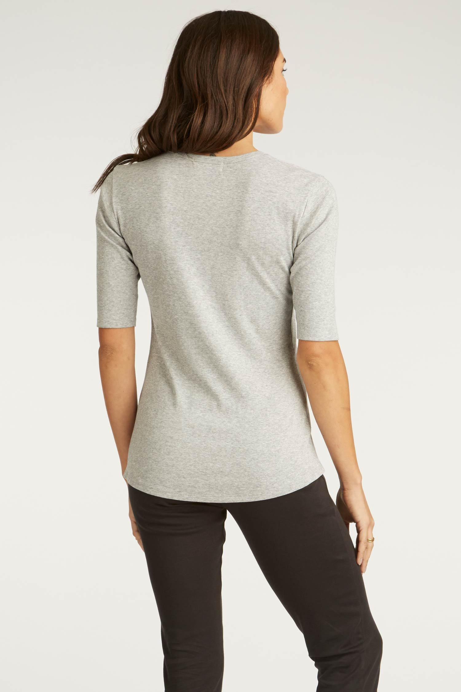Womens Organic Cotton Top | Gray Scoop Tee | Indigenous