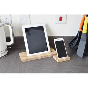 """Slide-Strong"" Apple iPad ' Classic ' Stand / Dock - Oak"