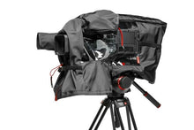 Laden Sie das Bild in den Galerie-Viewer, Manfrotto Pro Light Video-Regenschutz RC-10 für GY-HM850 - Kampro-Shop