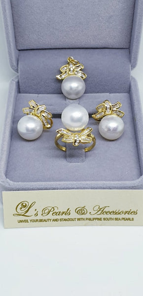 13mm White South Sea Pearl Set