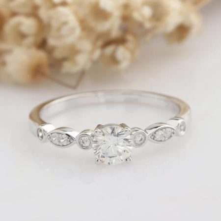 0.5CT Round Moissanite Engagement Ring nniversary Gifts