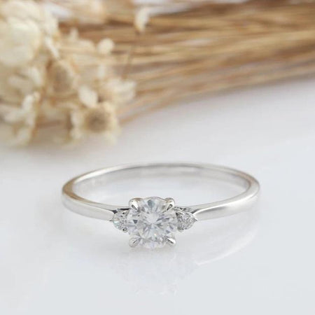 5mm Round Cut Moissanite ring White gold Ring For Women
