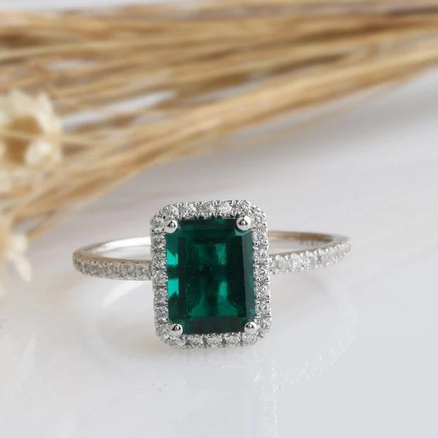 6x8mm Lab Created Emerald Center White Gold Ring Sets