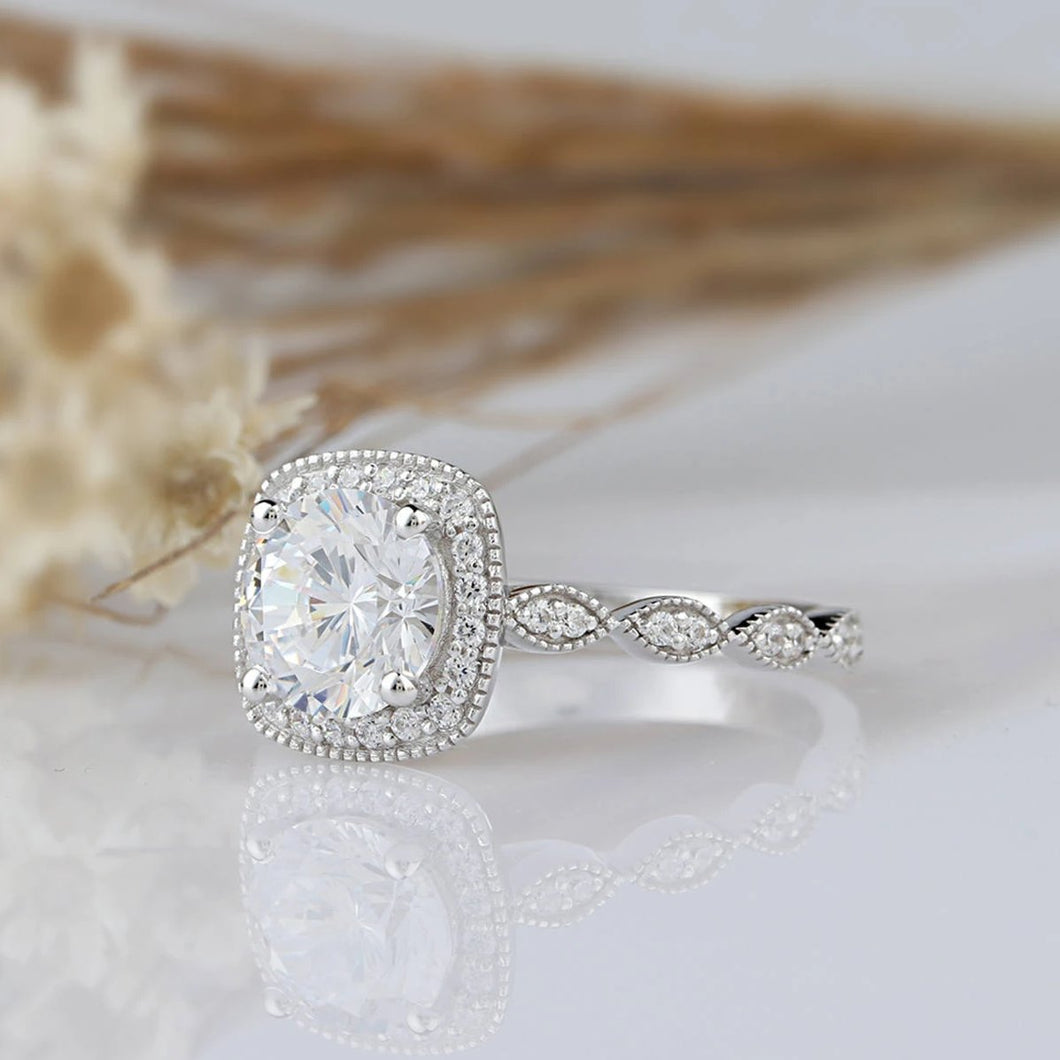 6.5mm Round Cut Anniversary Ring Moissanite Engagement Ring