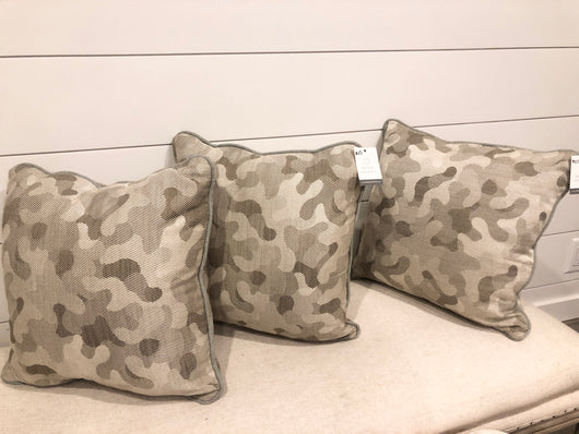 CAMO pillow Cover 18x18. (1)
