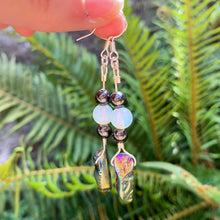Load image into Gallery viewer, Moonstone & Hematite Earrings