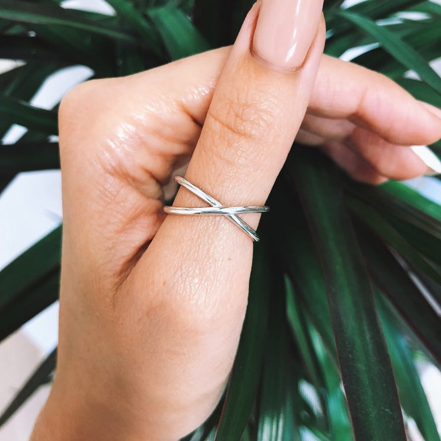 Estee Lane Adjustable Silver Crossover Ring