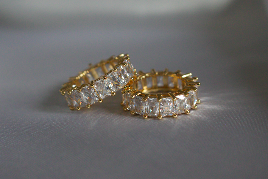 Estee Lane Gold Luxus Eternity Ring