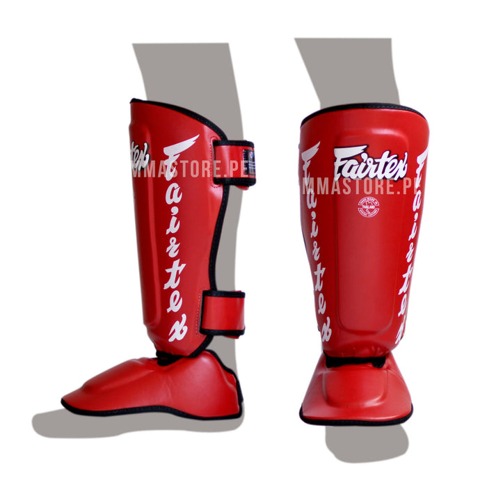Canilleras de Muay Thai Fairtex Twisted Rojo - 100% Cuero Syntek