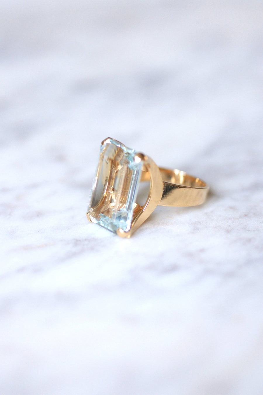 Bague de cocktail vintage aigue-marine 15 Cts sur or rose - Galerie Pénélope