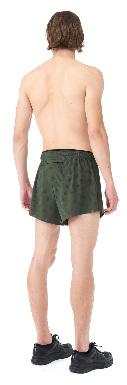 "Short Distance 2.5"" Shorts - Model back"