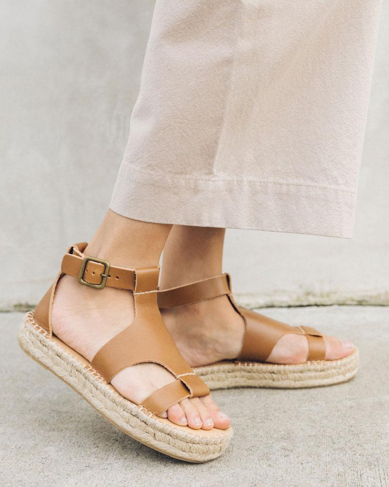 Banded Shield Sandal walnut