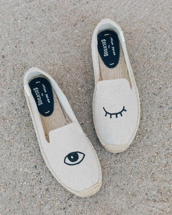 Wink Embroidery Smoking Slipper image